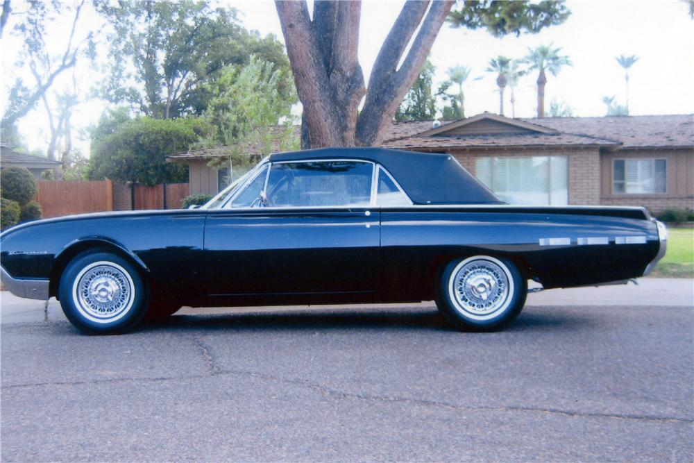 1962 FORD THUNDERBIRD CONVERTIBLE - Side Profile - 116458