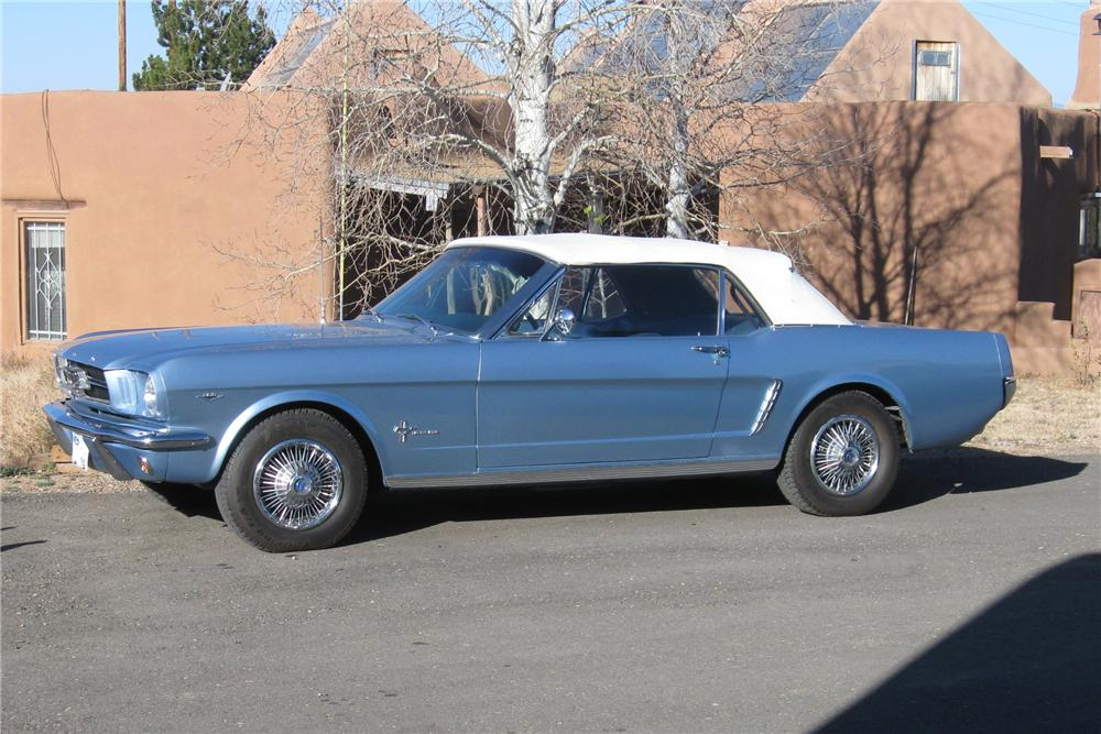 1965 FORD MUSTANG CONVERTIBLE - Front 3/4 - 116483