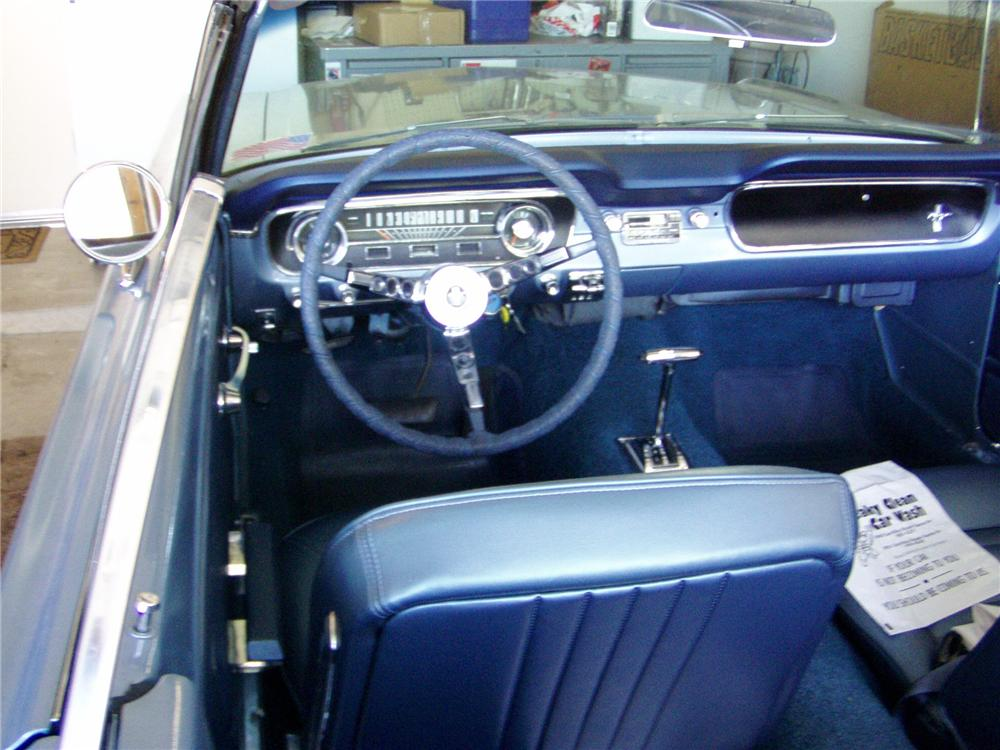 1965 FORD MUSTANG CONVERTIBLE - Interior - 116483