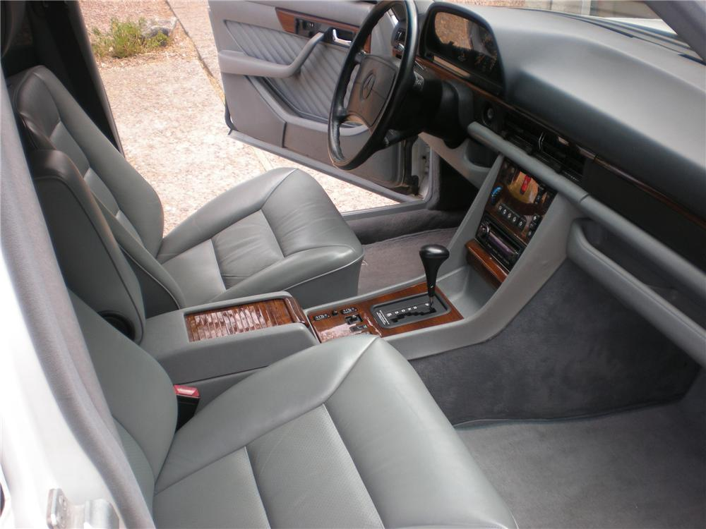 1990 MERCEDES-BENZ 420SEL SEDAN - Interior - 116500