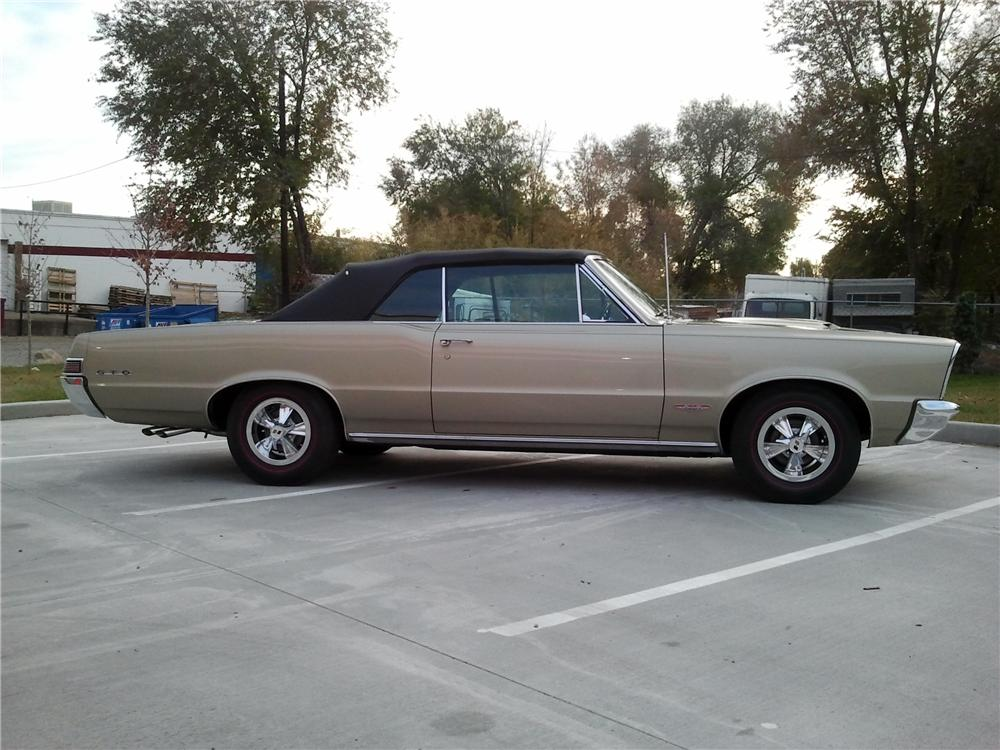 1965 PONTIAC GTO CONVERTIBLE - Side Profile - 116508