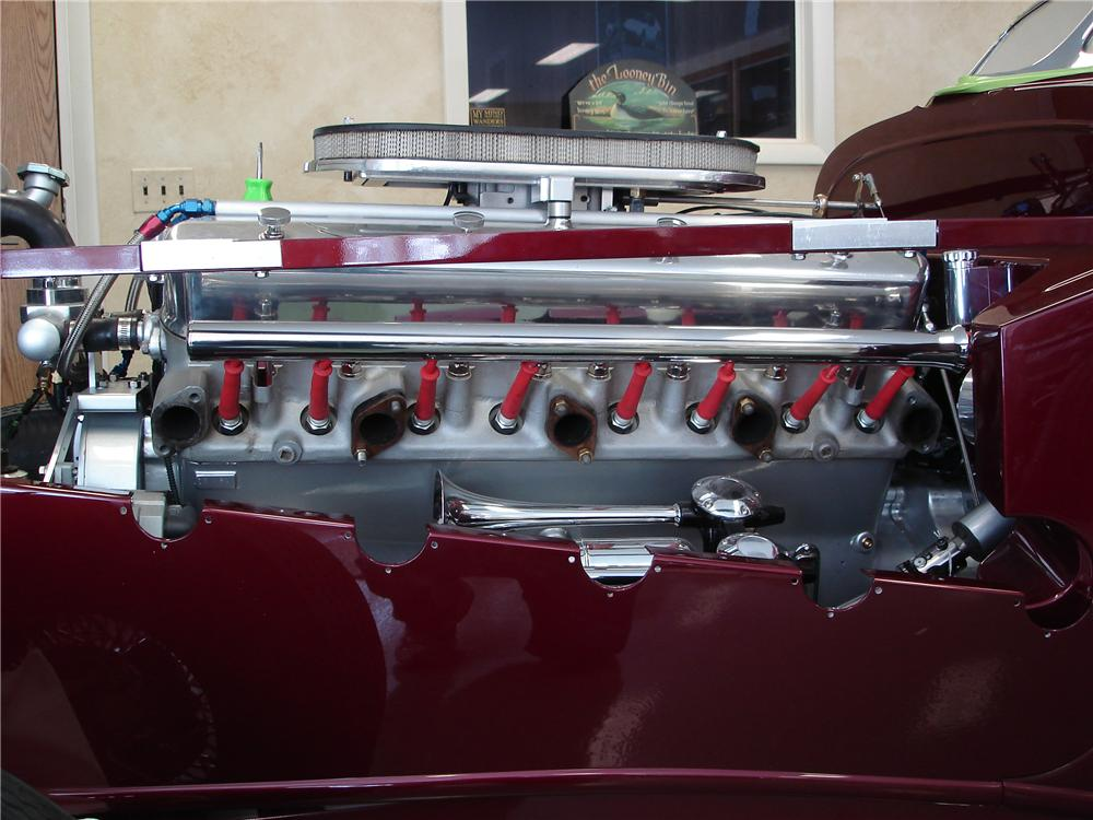 1934 FORD CUSTOM ROADSTER - Engine - 116511
