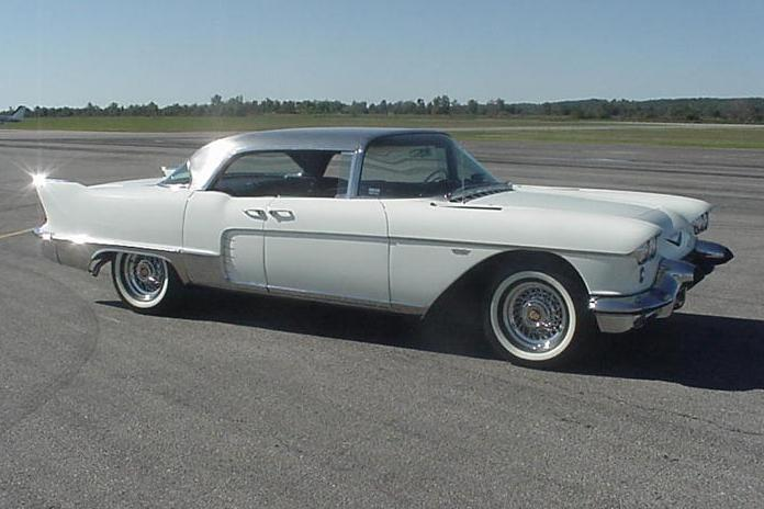 1957 CADILLAC ELDORADO BROUGHAM 4 DOOR SEDAN - Side Profile - 116512