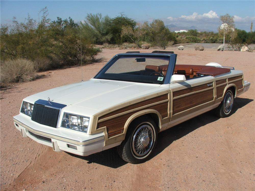 1983 CHRYSLER LEBARON TOWN & COUNTRY CONVERTIBLE - Front 3/4 - 116523