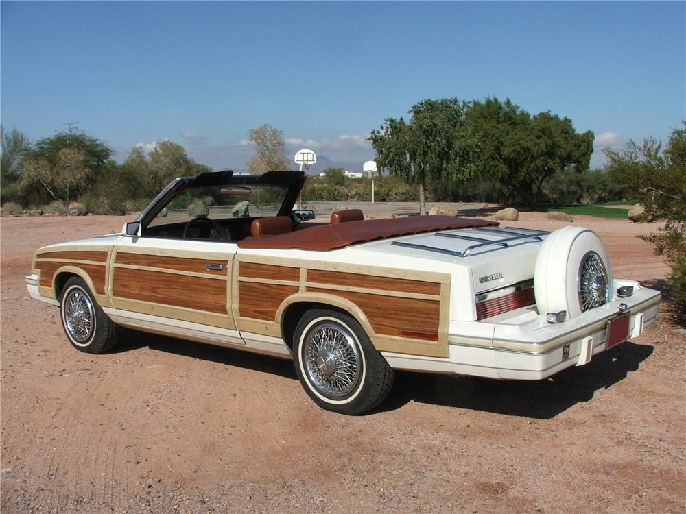 1983 CHRYSLER LEBARON TOWN & COUNTRY CONVERTIBLE - Rear 3/4 - 116523