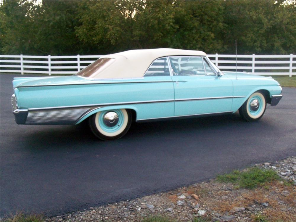 1961 FORD GALAXIE CONVERTIBLE - Side Profile - 116529