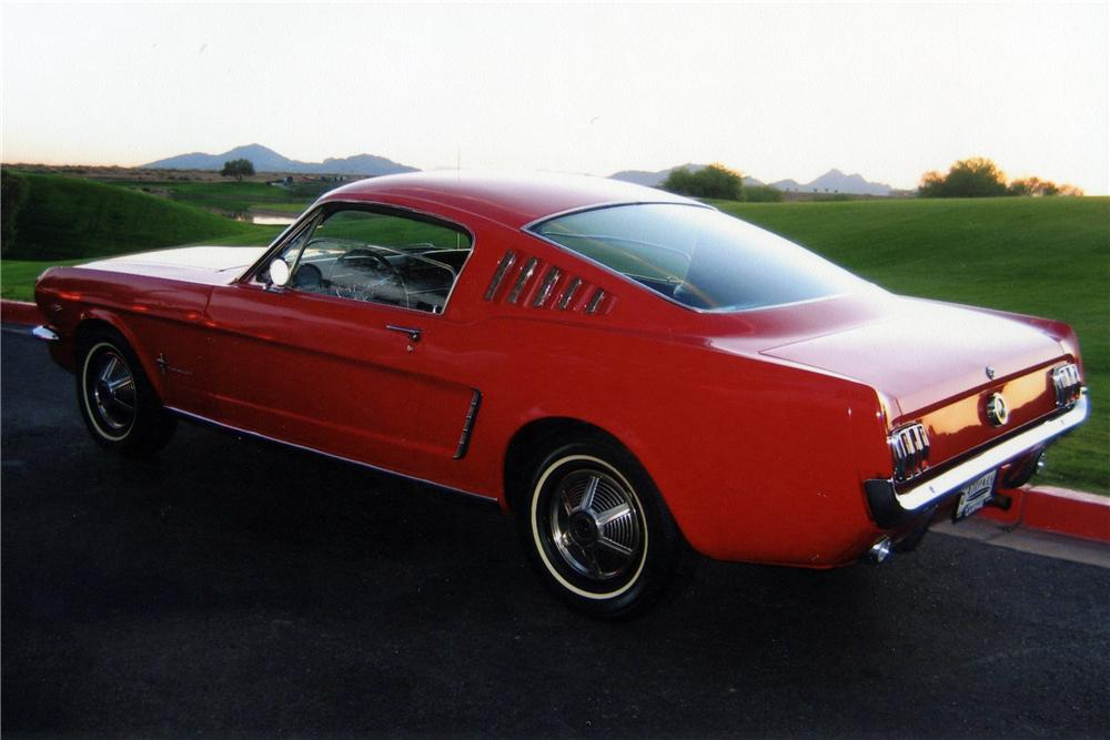 1965 FORD MUSTANG FASTBACK - Rear 3/4 - 116758