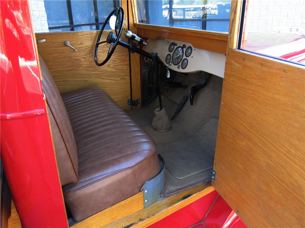 1942 DIAMOND T 201 S 1 TON STAKE BED TRUCK - Interior - 116942