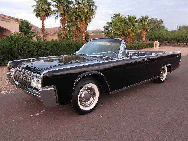 1962 LINCOLN CONTINENTAL CONVERTIBLE - Front 3/4 - 116943