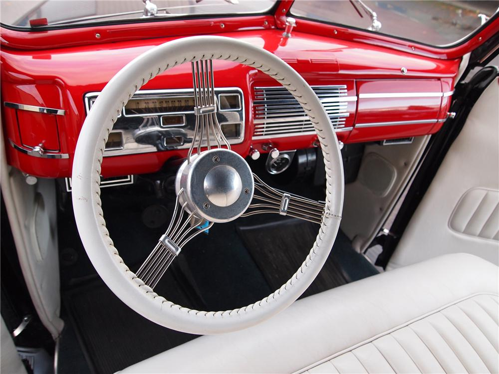 1940 FORD CUSTOM CONVERTIBLE - Interior - 117032