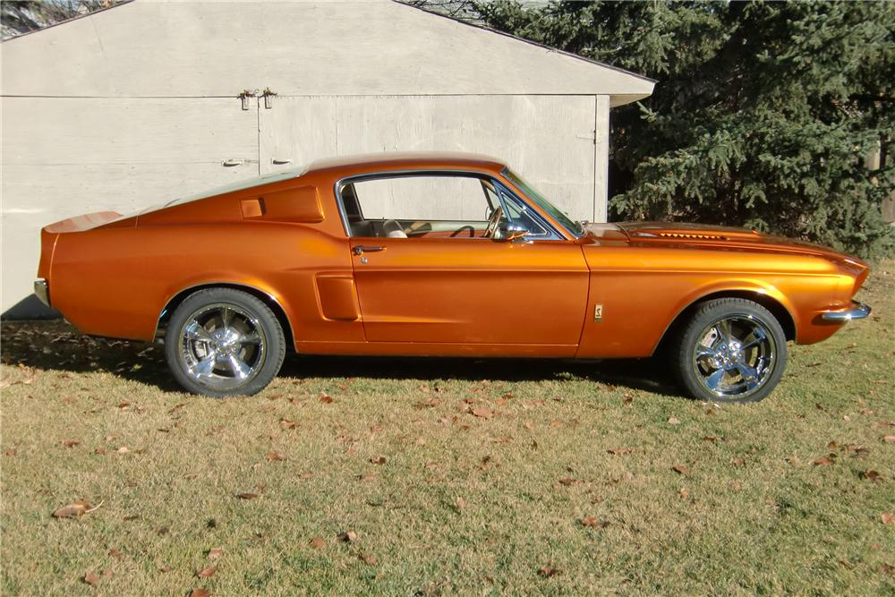 1967 FORD MUSTANG CUSTOM FASTBACK - Side Profile - 117054