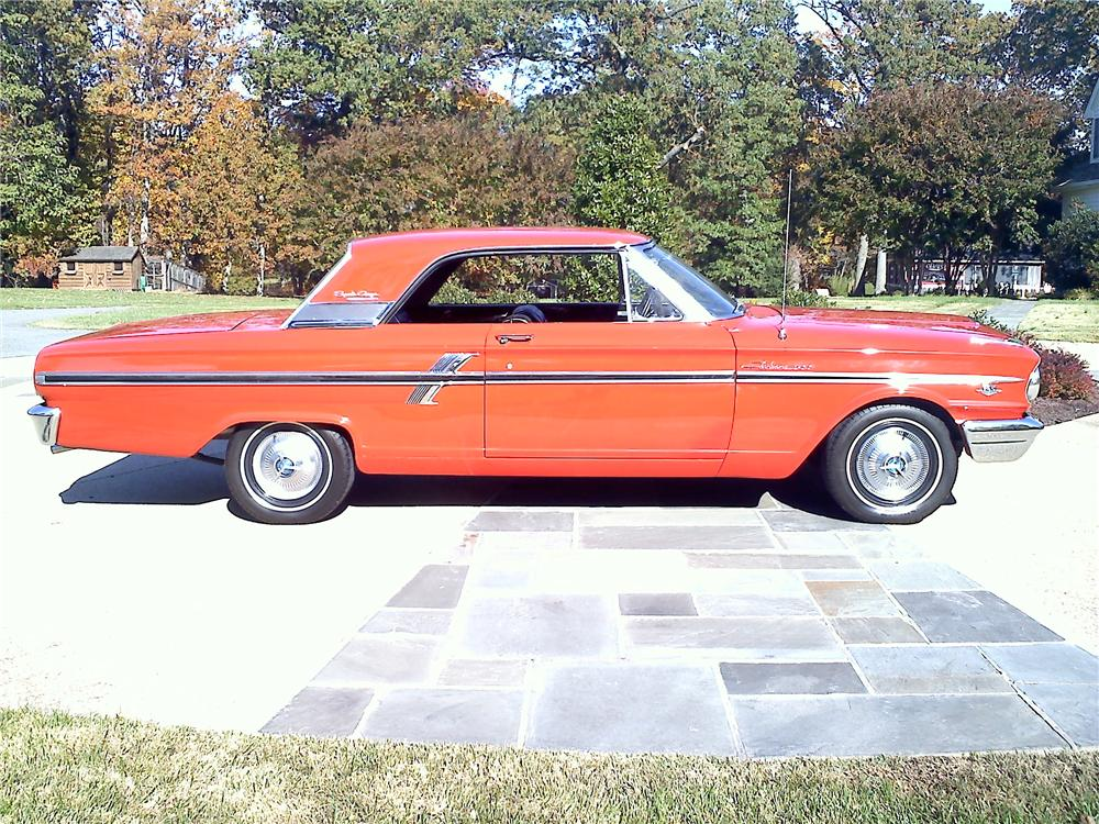 1964 FORD FAIRLANE 2 DOOR COUPE - Front 3/4 - 117065