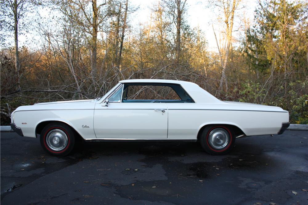 1964 OLDSMOBILE 442 2 DOOR COUPE - Side Profile - 117071