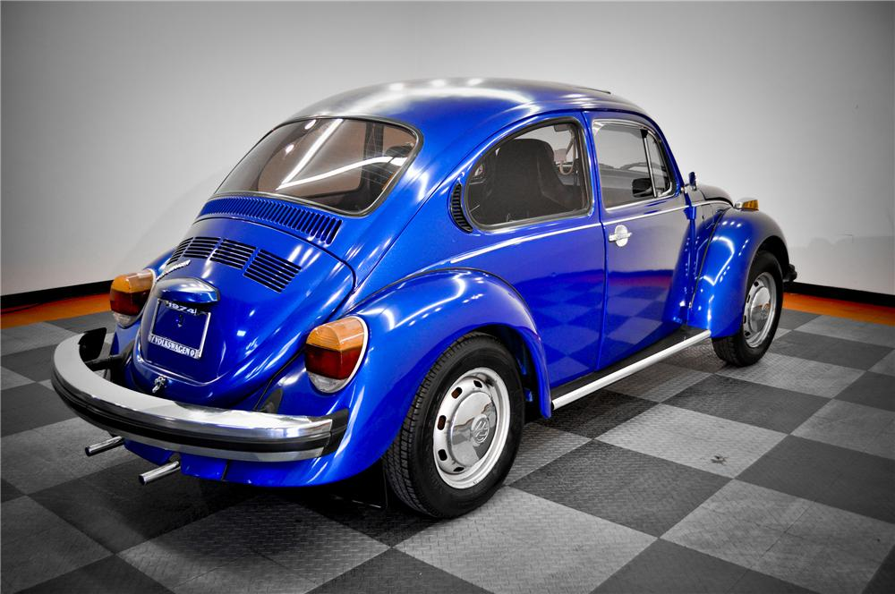 1974 VOLKSWAGEN BEETLE 2 DOOR COUPE - Rear 3/4 - 117074