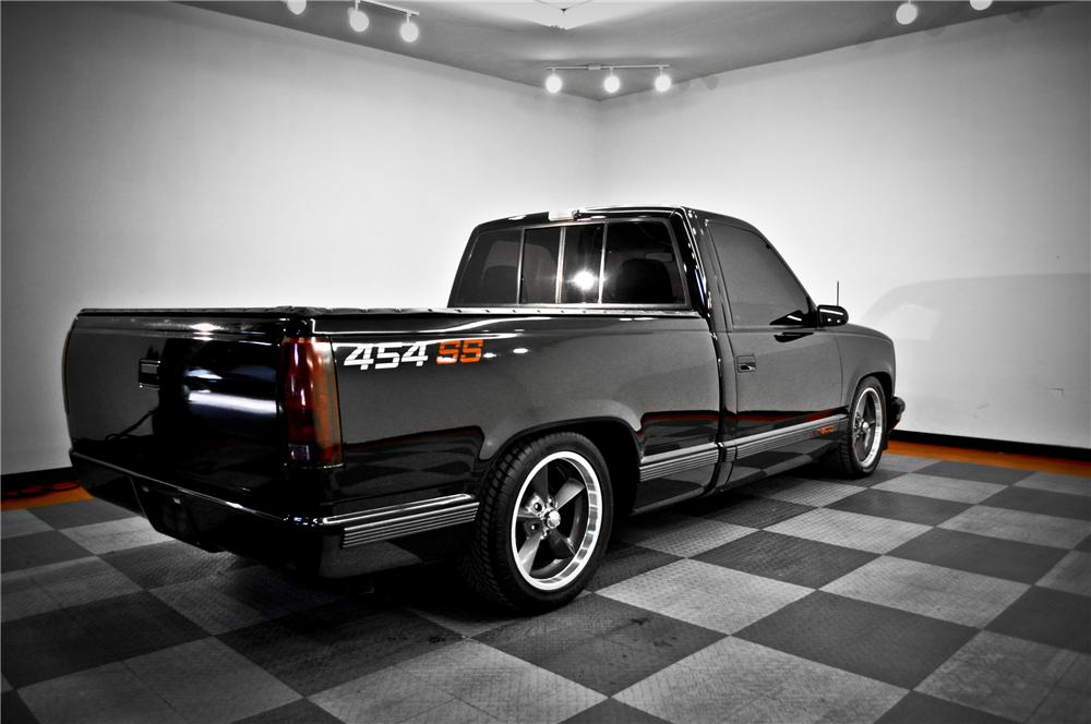 1990 CHEVROLET 454SS CUSTOM PICKUP - Rear 3/4 - 117077
