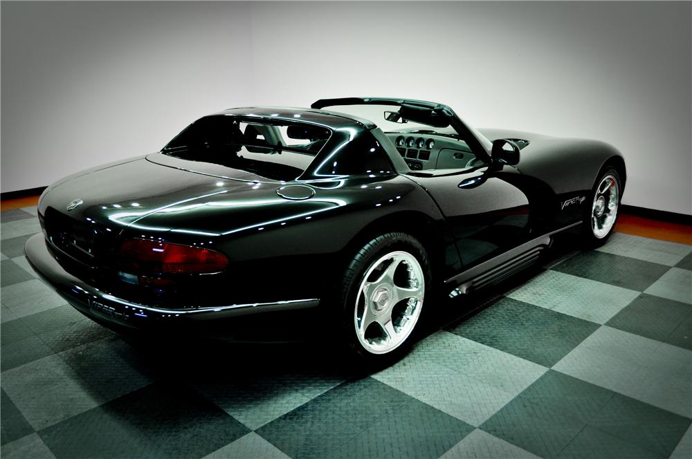 1994 DODGE VIPER RT/10 CONVERTIBLE - Rear 3/4 - 117083