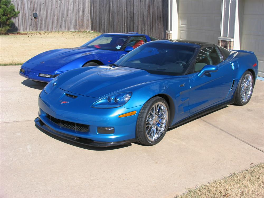 2009 CHEVROLET CORVETTE ZR1 COUPE - Rear 3/4 - 117086