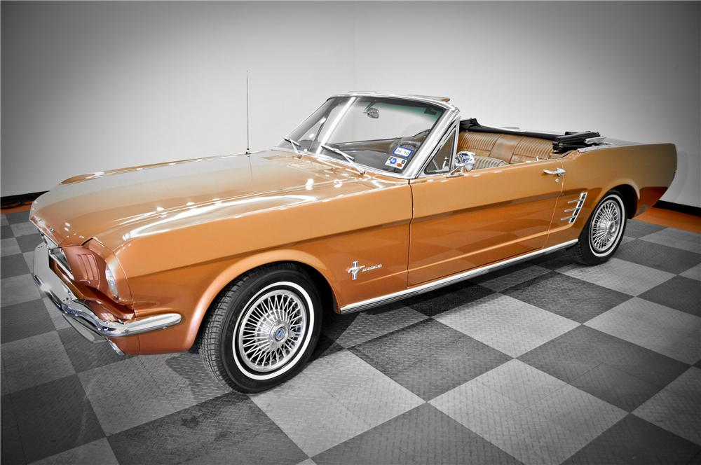 1966 FORD MUSTANG CONVERTIBLE - Front 3/4 - 117090
