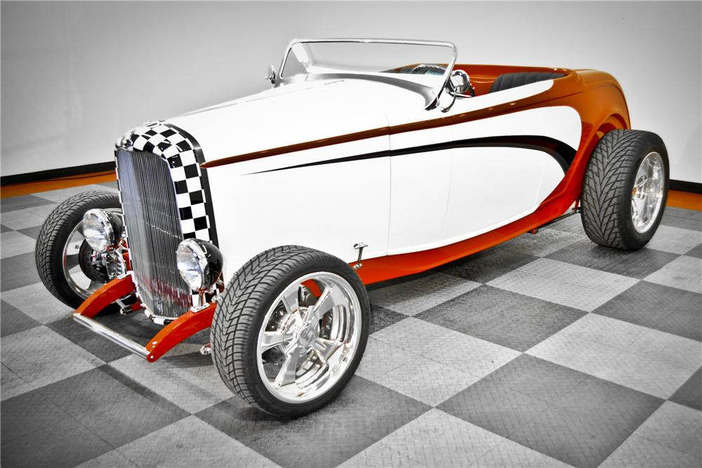 1932 FORD HI-BOY ROADSTER - Front 3/4 - 117091