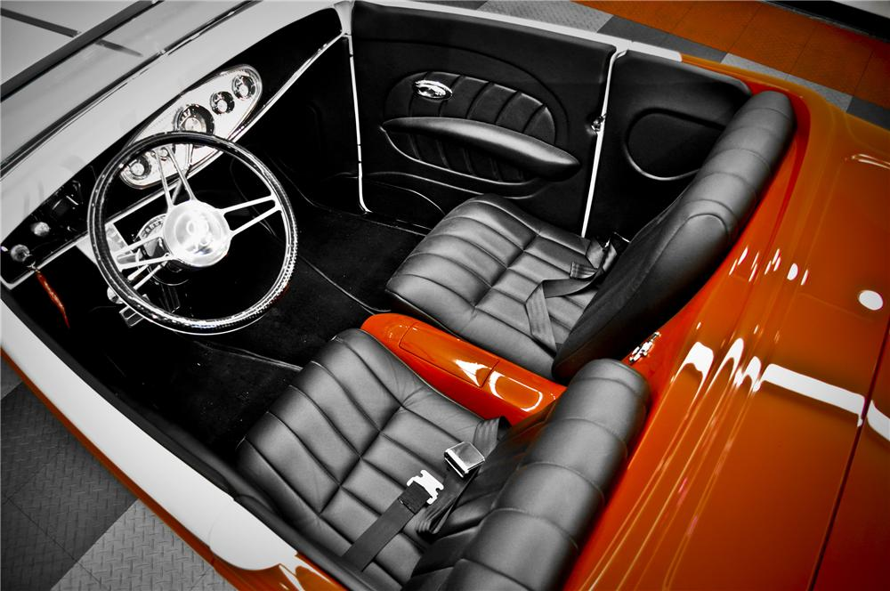 1932 FORD HI-BOY ROADSTER - Interior - 117091