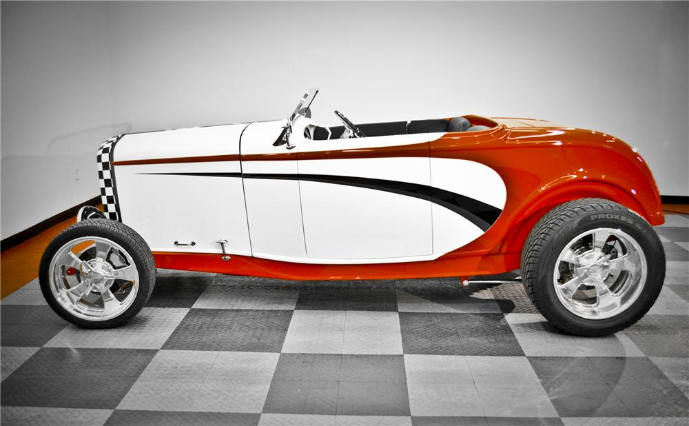 1932 FORD HI-BOY ROADSTER - Side Profile - 117091