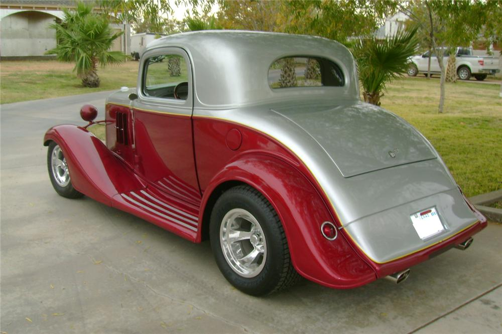 1933 CHEVROLET CUSTOM 2 DOOR COUPE - Rear 3/4 - 117101