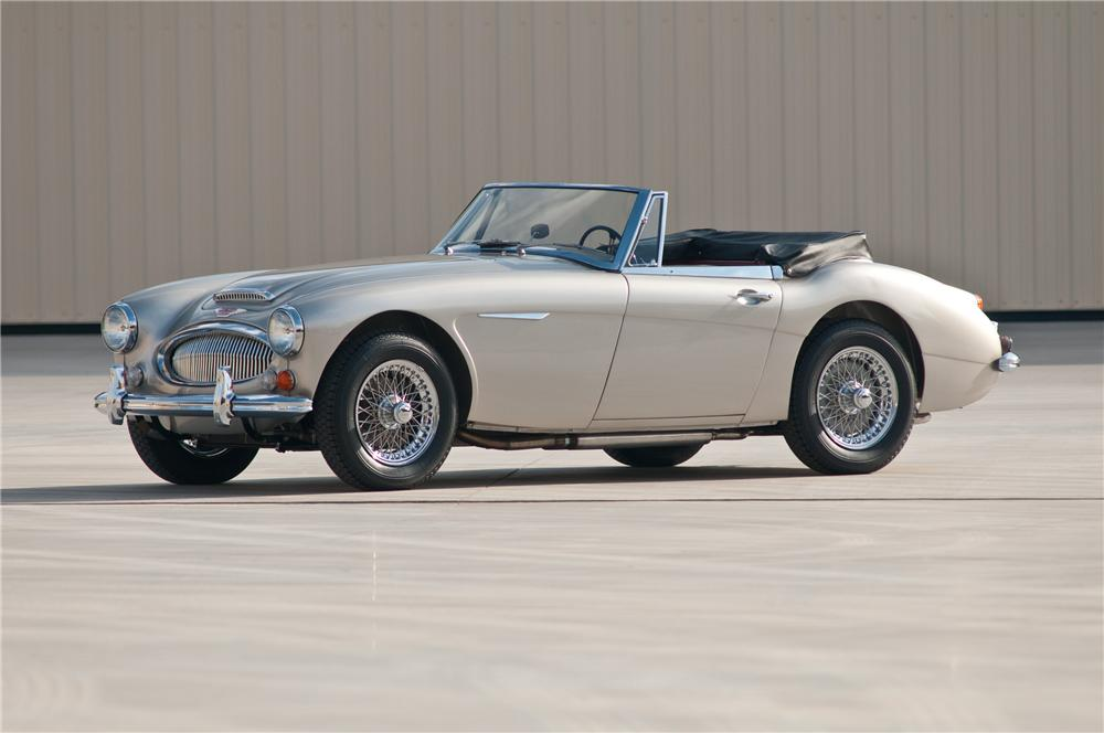 1967 AUSTIN-HEALEY 3000 MARK III BJ8 PHASE II CONVERTIBLE - Front 3/4 - 117107