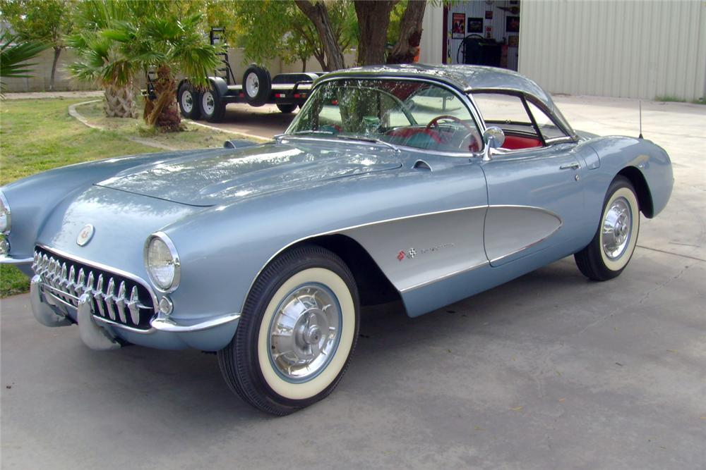 1957 CHEVROLET CORVETTE CONVERTIBLE - Front 3/4 - 117110