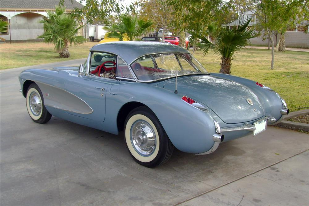 1957 CHEVROLET CORVETTE CONVERTIBLE - Rear 3/4 - 117110