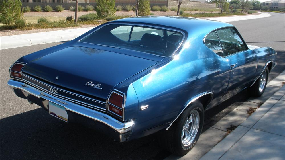 1969 CHEVROLET CHEVELLE CUSTOM 2 DOOR HARDTOP - Rear 3/4 - 117141
