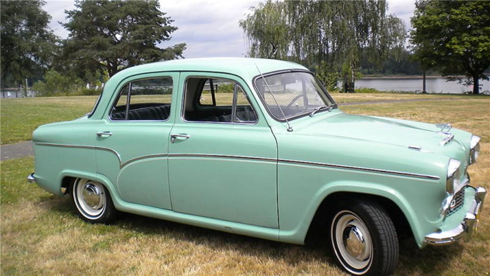 1957 AUSTIN CAMBRIAN 4 DOOR SALOON - Side Profile - 117164