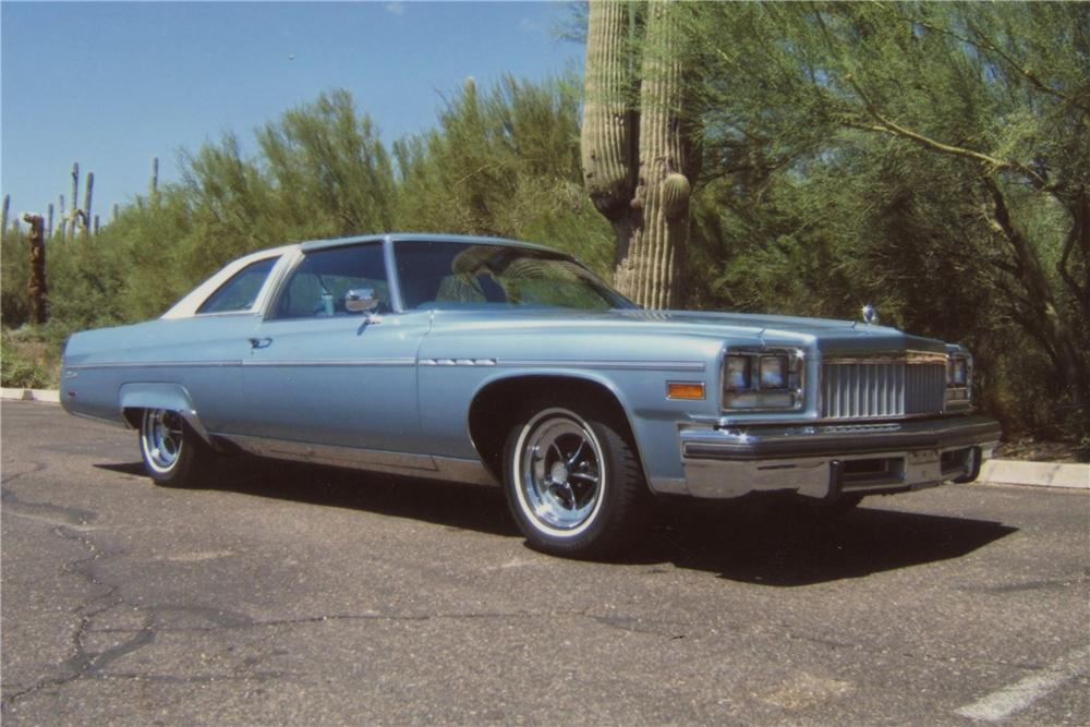 1976 BUICK ELECTRA LANDAU COUPE - Side Profile - 117175