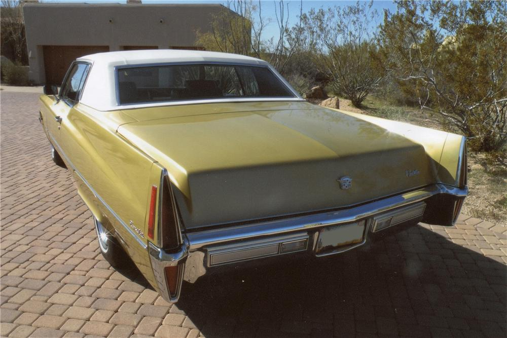 1970 CADILLAC COUPE DE VILLE 2 DOOR COUPE - Rear 3/4 - 117176