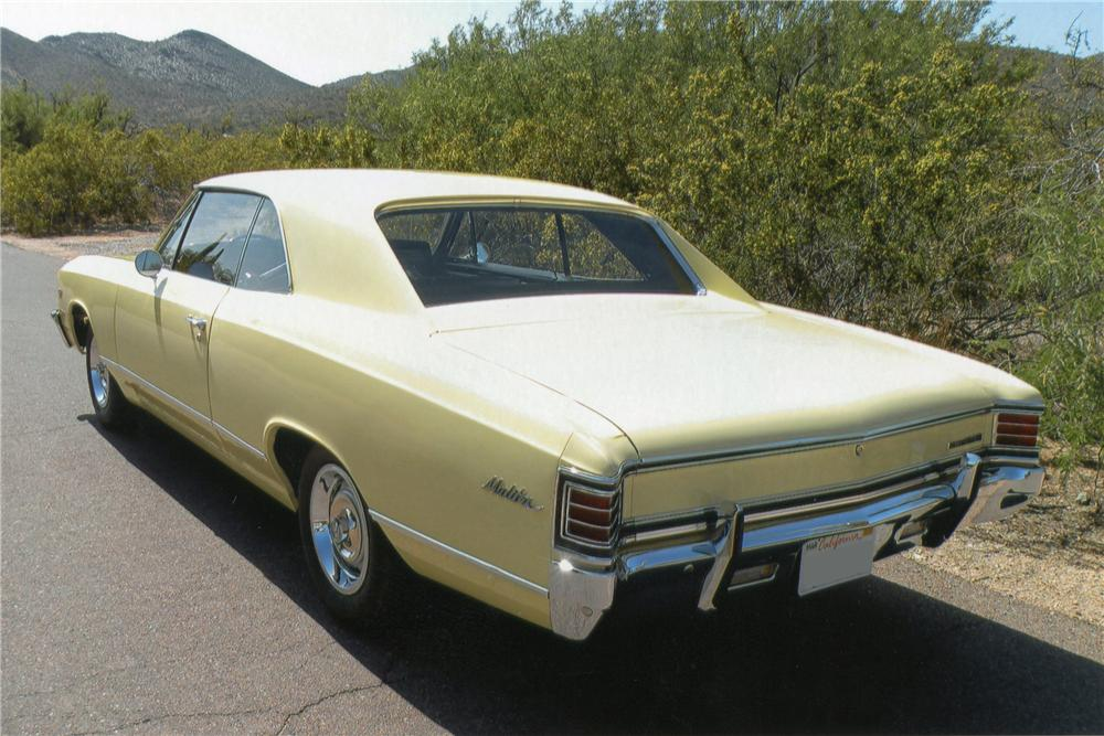 1967 CHEVROLET MALIBU 2 DOOR HARDTOP - Rear 3/4 - 117179