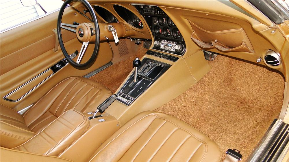 1969 CHEVROLET CORVETTE COUPE - Interior - 117204