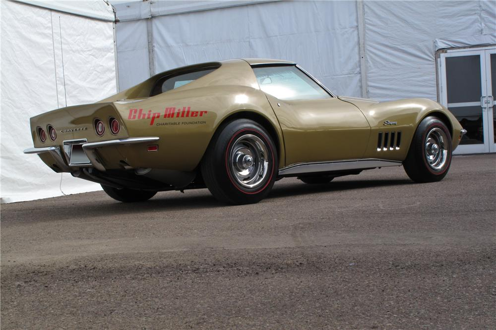 1969 CHEVROLET CORVETTE COUPE - Rear 3/4 - 117204