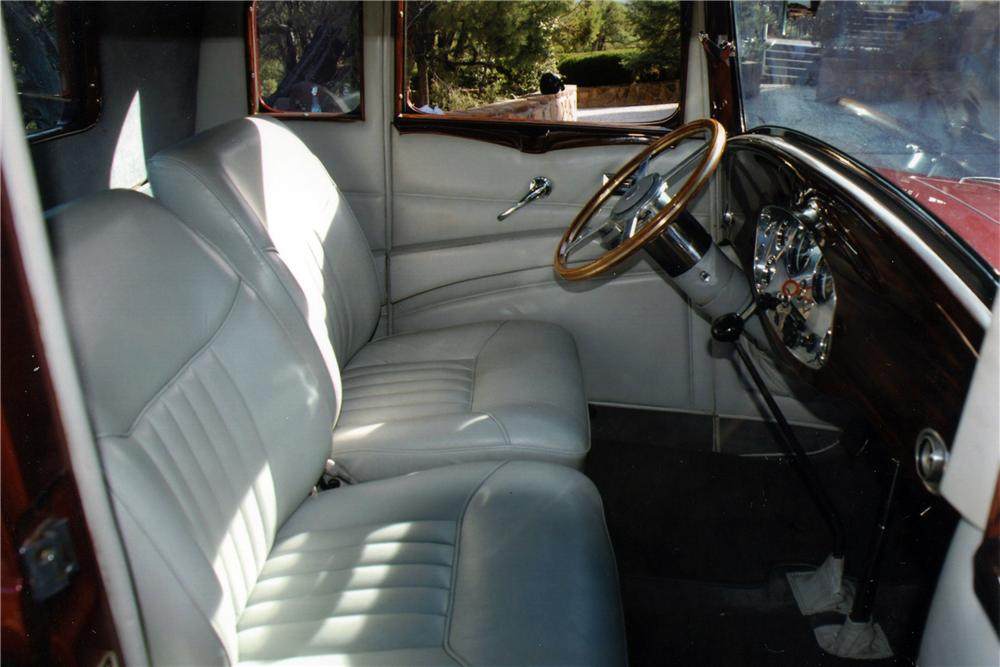 1932 STUDEBAKER DICTATOR CUSTOM 2 DOOR COUPE - Interior - 117205