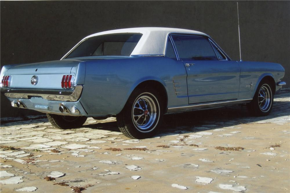 1966 FORD MUSTANG 2 DOOR COUPE - Rear 3/4 - 117210