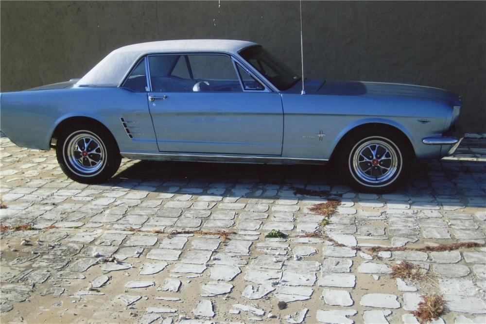 1966 FORD MUSTANG 2 DOOR COUPE - Side Profile - 117210