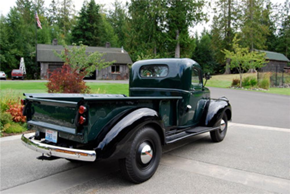 1946 CHEVROLET PICKUP - Rear 3/4 - 117212