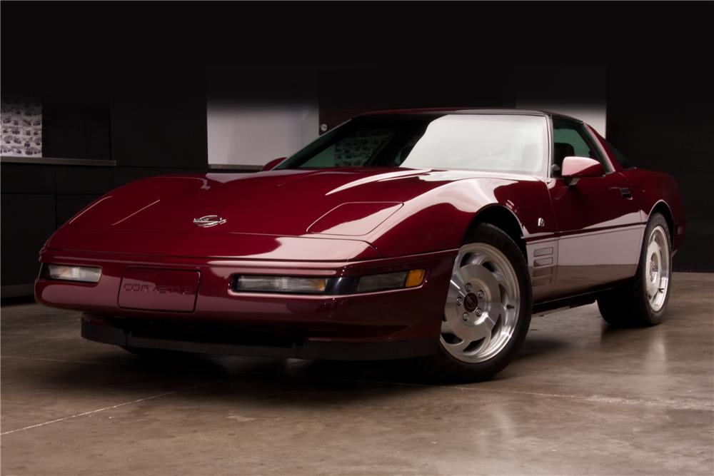 1993 CHEVROLET CORVETTE 4OTH ANNIVERSARY COUPE - Front 3/4 - 117215