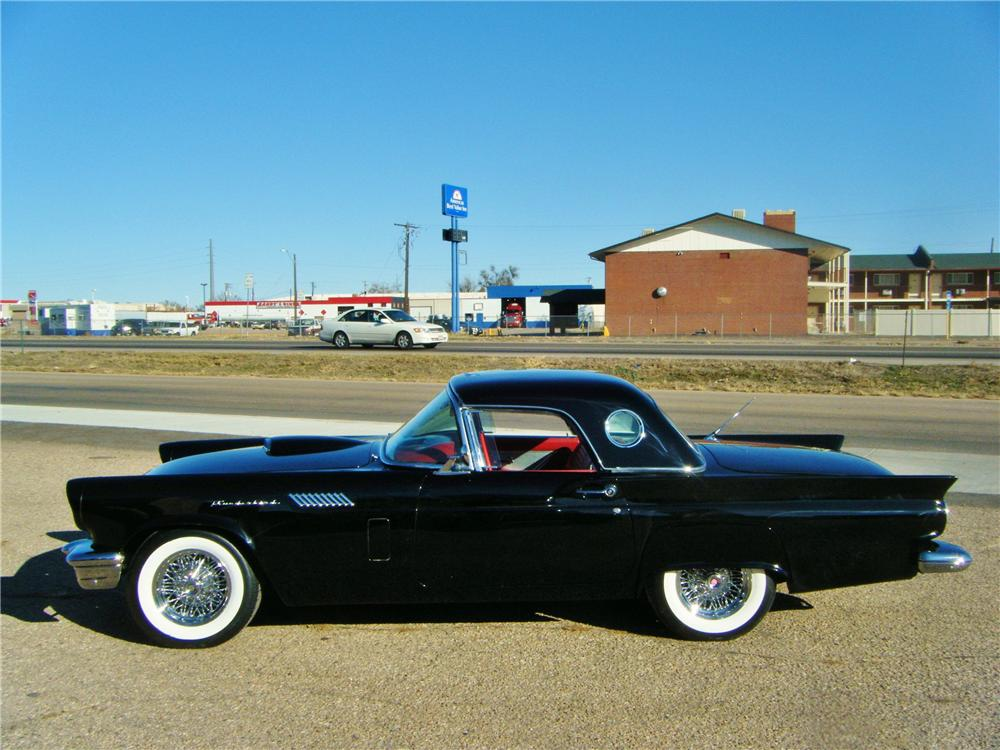 1957 FORD THUNDERBIRD CONVERTIBLE - Side Profile - 117232