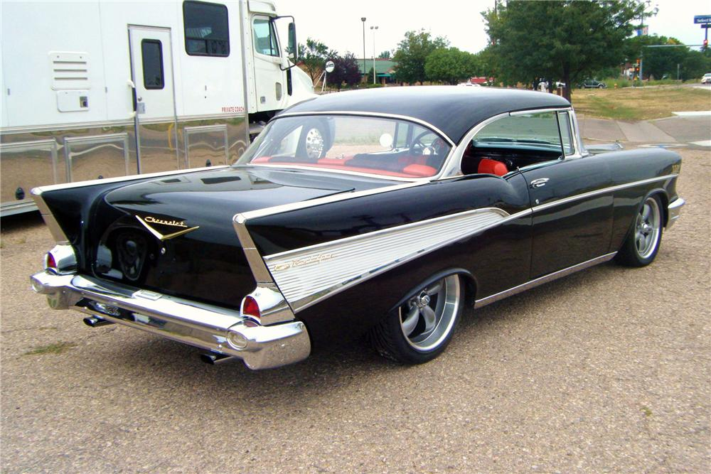 1957 CHEVROLET BEL AIR CUSTOM 2 DOOR HARDTOP - Rear 3/4 - 117233