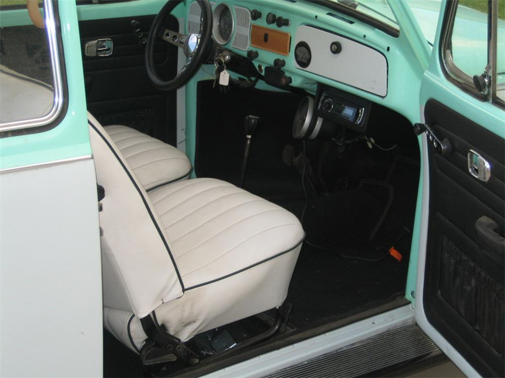 1970 VOLKSWAGEN BEETLE 2 DOOR COUPE - Interior - 117234