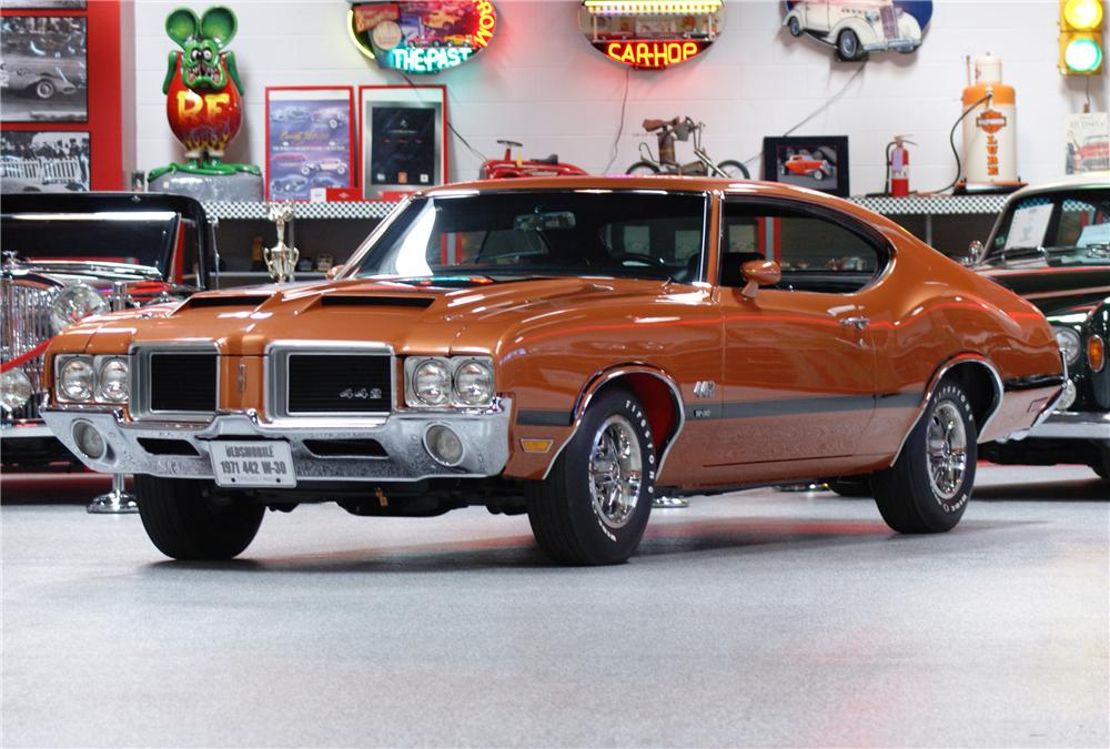 1971 OLDSMOBILE 442 W30 COUPE - Front 3/4 - 117247