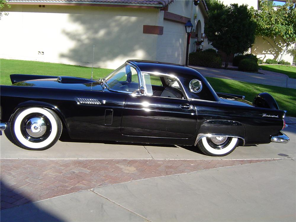 1956 FORD THUNDERBIRD CONVERTIBLE - Side Profile - 117253