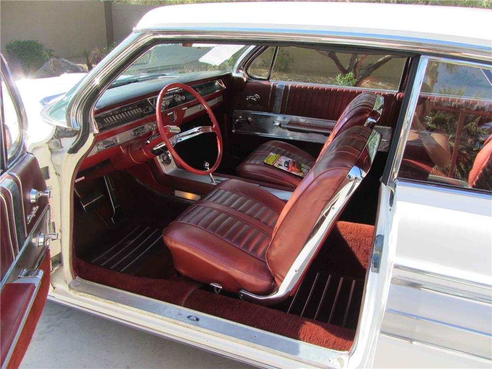 1962 OLDSMOBILE STARFIRE 2 DOOR HARDTOP - Interior - 117262