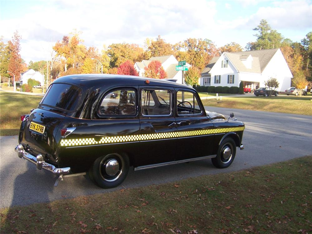 1964 AUSTIN TAXICAB - Rear 3/4 - 117278