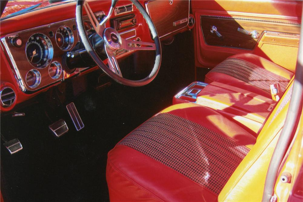 1972 CHEVROLET C-10 CUSTOM PICKUP - Interior - 117289
