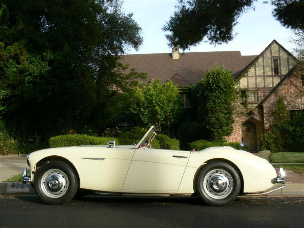 1960 AUSTIN-HEALEY 3000 MARK I BT7 CONVERTIBLE - Side Profile - 117297